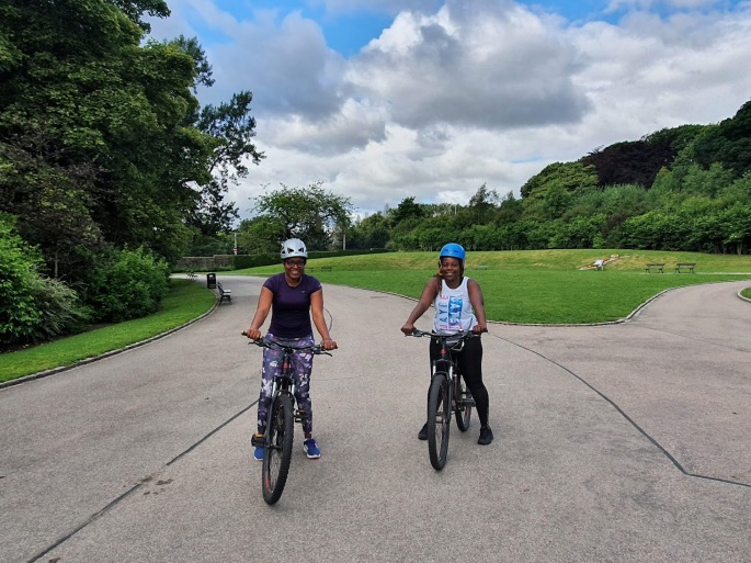 Image of cyclists at Duthie Park